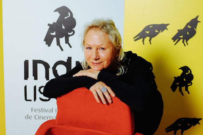 "retrato de Agnès B. no IndieLisboa, realizadora do filme ""Je m'appelle Hmmm…"""